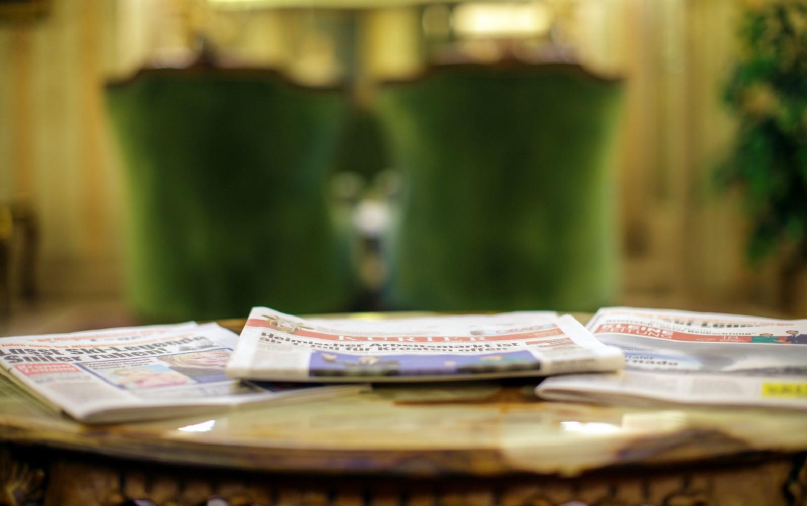 Zeitungen_WEB